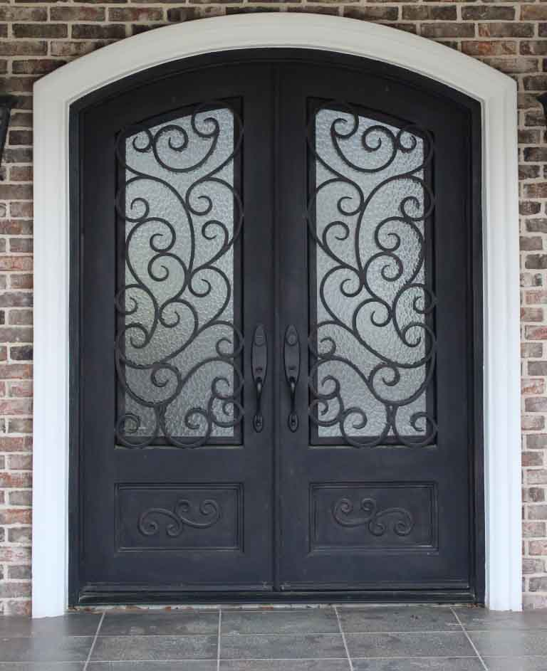 4 Great Types Of Glass For Your Iron Door